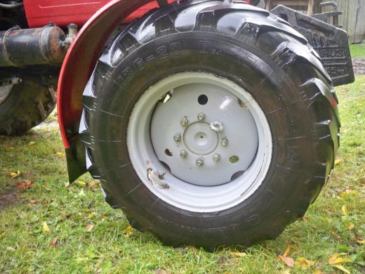 traktoriaus belarus  padangos -0