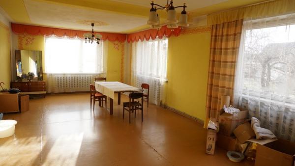 Telšių m. Kaštonų g. parduodamas 2 aukštų mūrinis gyvenamasis namas su 0,10 ha-2