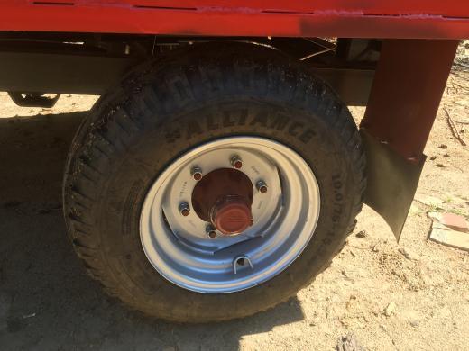 Vienašė traktorinė priekaba Tsp-3-3