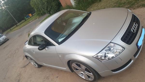 Audi TT-4