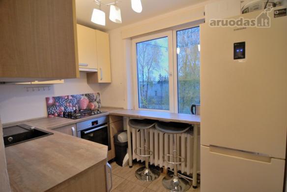 Parduodamas gero išplanavimo erdvus 2 kambarių butas Vinčų g.-0
