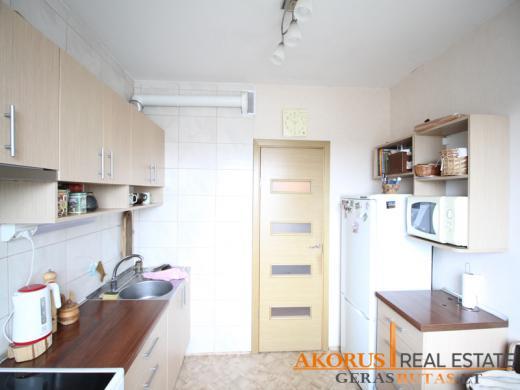 3 kambarių butas Šeškinėje-1