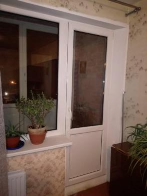 SKUBIAI parduodamas 2 kambarių butas Rūtų g.  - 2 nepereinami kambariai - 5/2 aukštas - Mūriniame name, 2018m. renovuotas - 52kv.m  - Vonia ir wc atskirai. - Pakeisti radiatoriai, reguliuojamas šildymas. - Balkonas įstiklintas - Plastikiniai langai  - Kom-6