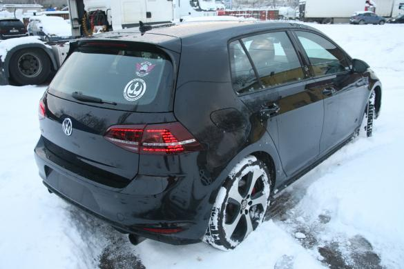 VW GTI performance 2017 metu  2.0 petrol 169kw leahter Panorama-1