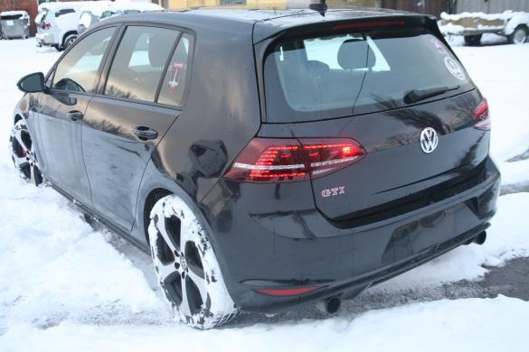 VW GTI performance 2017 metu  2.0 petrol 169kw leahter Panorama-3