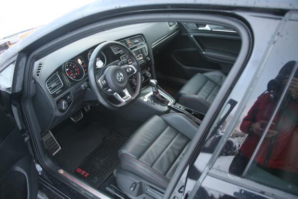 VW GTI performance 2017 metu  2.0 petrol 169kw leahter Panorama-4