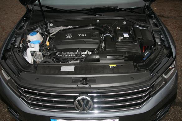 VW PASSAT Long  R  Line 1.8  Petrol Leather-7