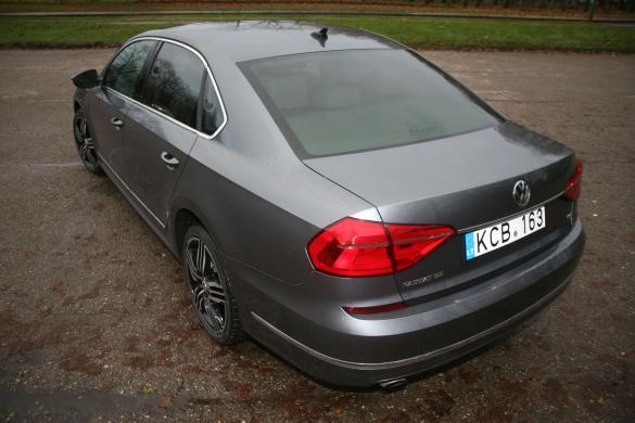 VW PASSAT Long  R  Line 1.8  Petrol Leather-3