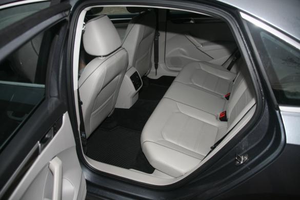 VW PASSAT Long  R  Line 1.8  Petrol Leather-6