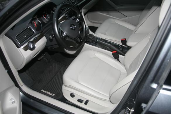 VW PASSAT Long  R  Line 1.8  Petrol Leather-4