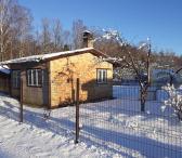Parduodamas išpuoselėtas sodas Šernų soduose Sode yra mūrinis namukas 26kv.m , garažas apšiltintas, mūrinis ir medinis ūkinis pastatas, du šiltnamiai lengvai sulankstomi, pamatai įteisinti, vaismedžiai, 2 metus gerai išdirbta žemė. - 6 arų - Yra kadastrin-0
