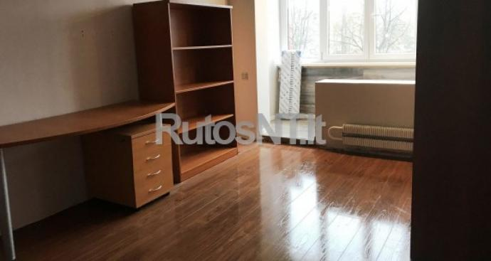 Parduodama 1 kambario dalis Debreceno gatvėje-0