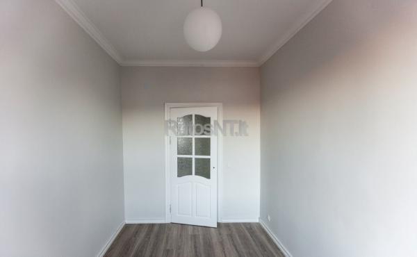 Parduodamas 3- jų kambarių butas J.Janonio gatvėje-2