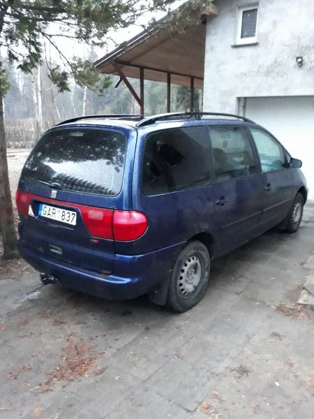 Seat Alhambra-1