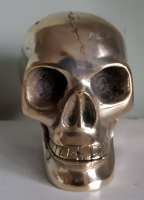 Įdomi bronzinė stipriai sidabruota KAUKOLĖ-2