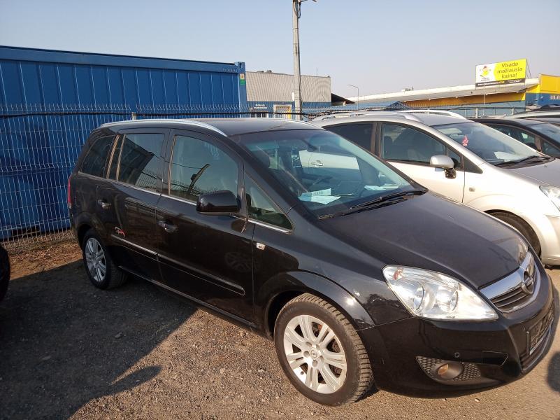 Opel zafira-2