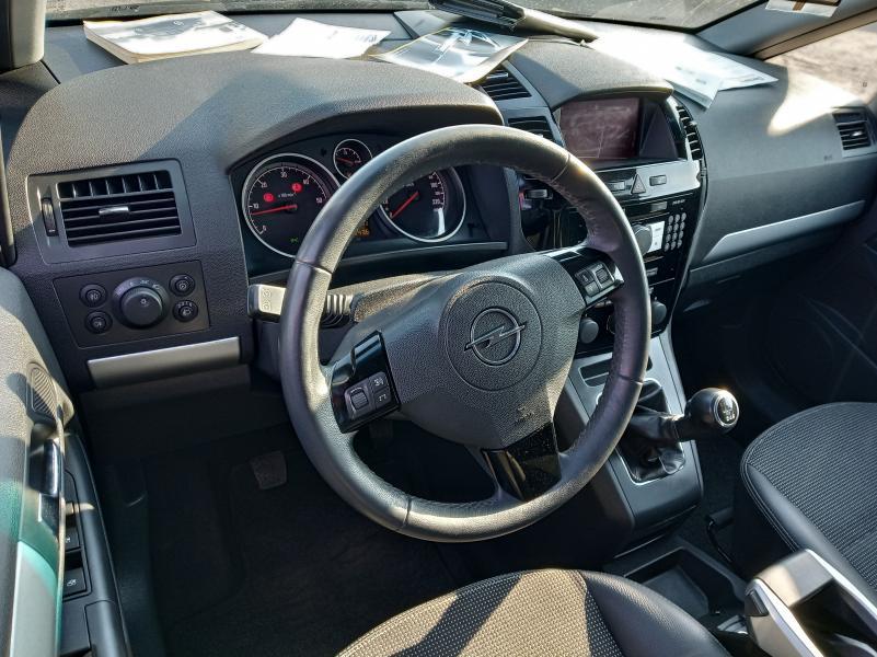 Opel zafira-4