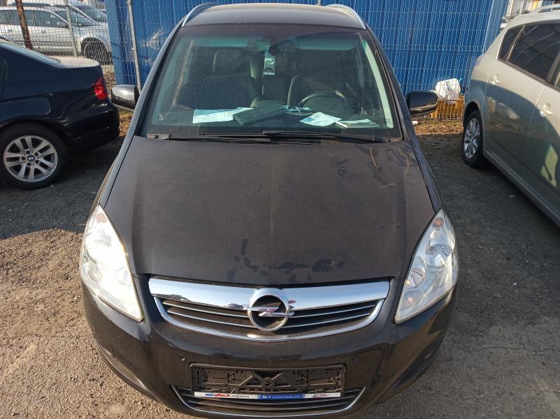 Opel zafira-5