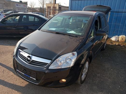 Opel zafira-6