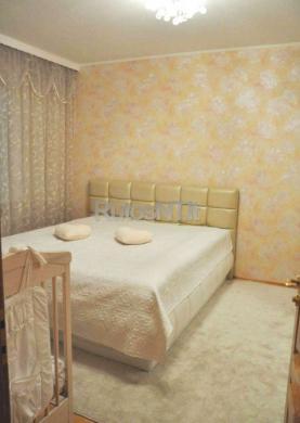 Parduodamas 3- jų kambarių su holu butas Poilsio gatvėje-1