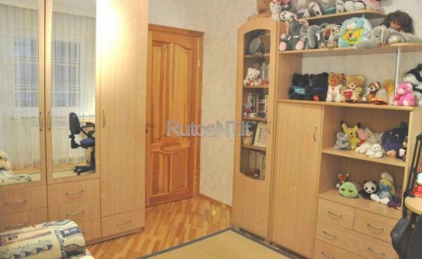 Parduodamas 3- jų kambarių su holu butas Poilsio gatvėje-4