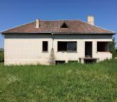 Parduodamas nebaigtas statyti namas (Daugų Saloje)-0
