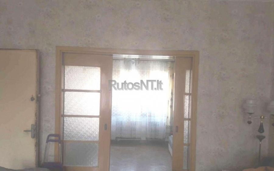 Parduodamas 4- rių kambarių butas Jurginų gatvėje-1