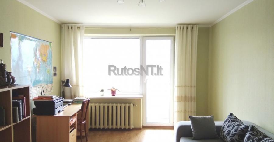 Parduodamas 4- rių kambarių butas Klevų gatvėje-1