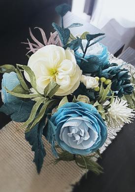 Dirbtinių gėlių puoštė-1