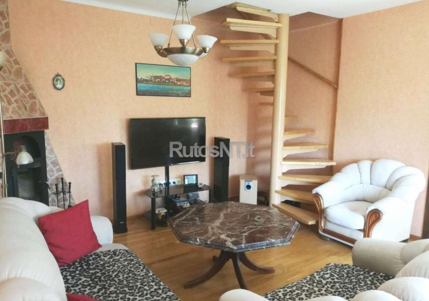 Parduodamas 4-rių kambarių butas Klaipėdoje, Mokyklos rajone-1