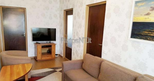 Parduodamas 4- rių kambarių su holu butas Budelkiemio gatvėje-1