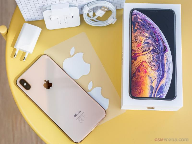 Apple iPhone XS Max 64GB  $500-2