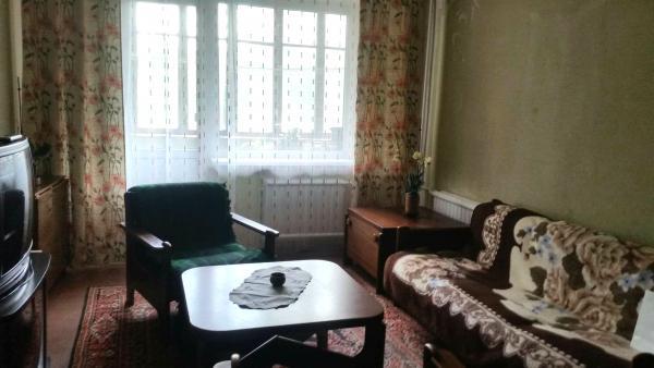 3 kambarių butas-0