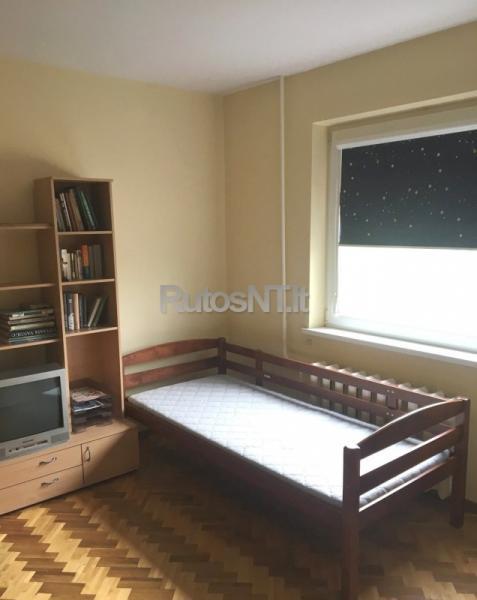 Parduodamas 3 - jų kambarių su holu butas Budelkiemio gatvėje-2