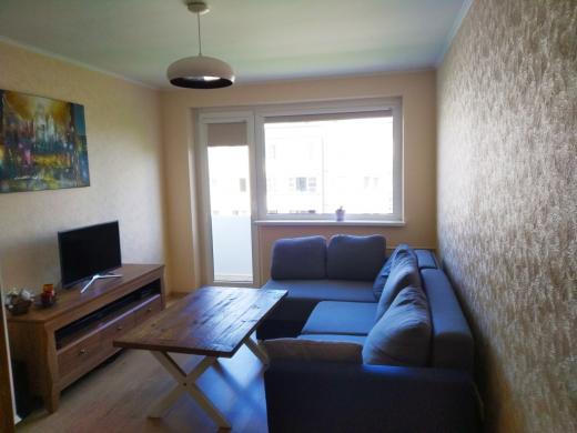 Parduodamas prieš metus pilnai suremontuotas 2 kambarių butas su balkonu-0