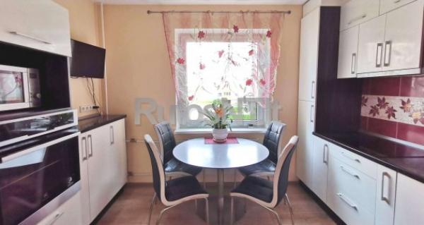 Parduodamas 2- jų kambarių butas su holu Kretingoje, Savanorių gatvėje-0