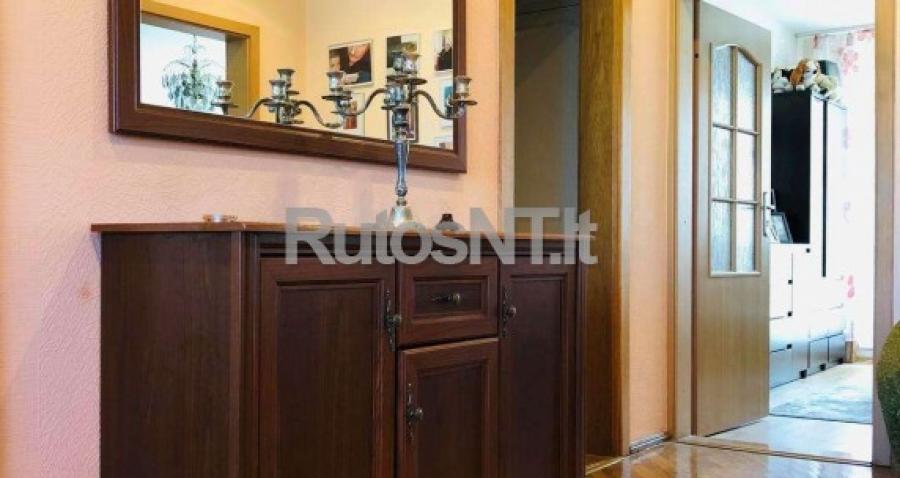 Parduodamas 3- jų kambarių su holu butas Rambyno gatvėje-0