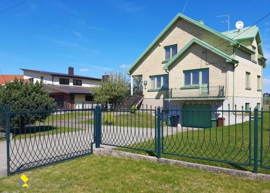 Parduodamas mūrinis namas Radviliškio m., Saulėtekio g.-0