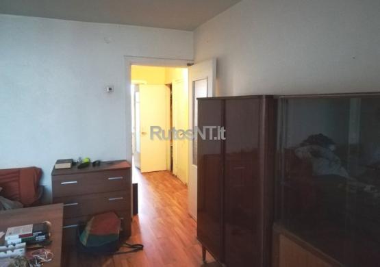 Parduodamas 2- jų kambarių butas Pilies gatvėje-5