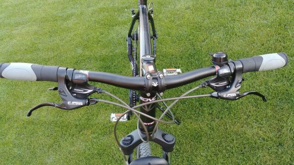 Idealus hibridinis (Cross) dviratis Carver 28-7