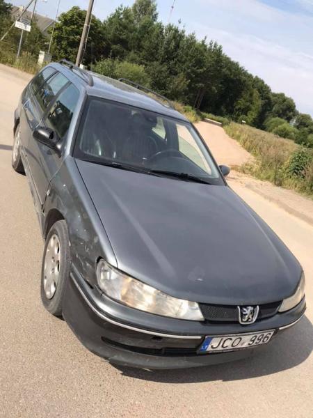 Peugeot 406 2.2 98kw 2003m.-5
