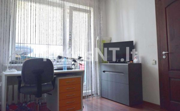 Parduodamas 2- jų kambarių su holu butas Gargžduose, Dariaus ir Girėno gatvėje-3
