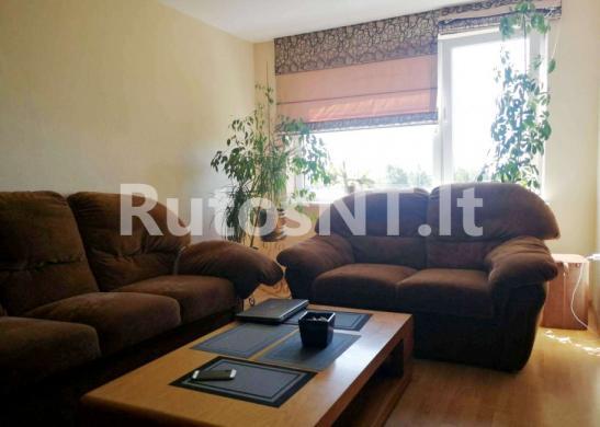 Parduodamas 3- jų kambarių butas Gargžduose, J. Janonio gatvėje-0