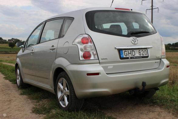 Toyota Corolla Verso -2