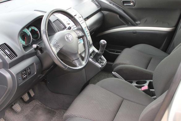 Toyota Corolla Verso -4