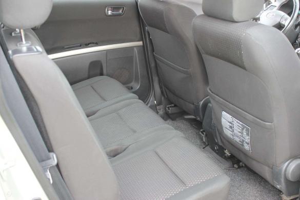 Toyota Corolla Verso -5