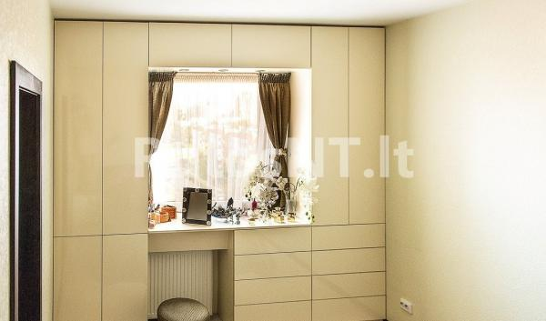 Parduodamas 3- jų kambarių su holu butas Laukininkų gatvėje-4
