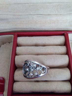 sidabrinis žiedas su cirkoniu -1