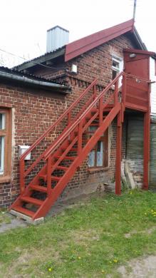 Pigiai Klaipėdoje Renetų gt.2 kambarių be patogumų+sandėliukas butą.šulinys kieme.wc lauke.kūrenimas malkomis.name 3 butai.geri kaimynai.-0