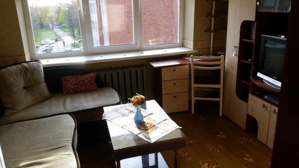 Pigiai Klaipėdoje Renetų gt.2 kambarių be patogumų+sandėliukas butą.šulinys kieme.wc lauke.kūrenimas malkomis.name 3 butai.geri kaimynai.-7